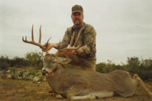 """Ron Marsh hunting with Bill Sheka and his 24"""" wide Mexico Buck 154 B/C"""